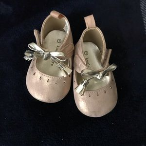 Baby Rose Gold Berlin's shoes size 1
